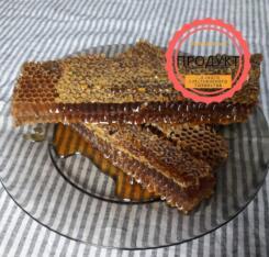 Майский мед в сотах (2020-го года)